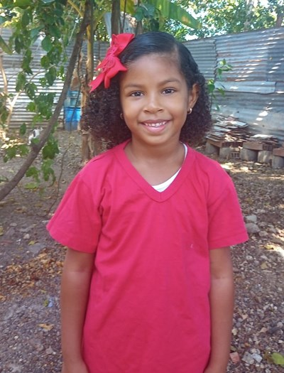Help Melanie Sofia by becoming a child sponsor. Sponsoring a child is a rewarding and heartwarming experience.