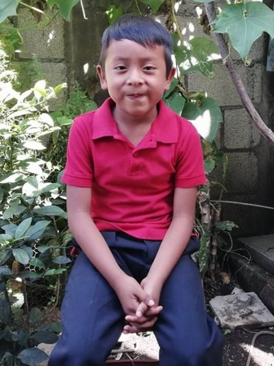 Help Marvin Abigael by becoming a child sponsor. Sponsoring a child is a rewarding and heartwarming experience.