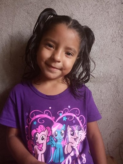 Help Yesli Dayana by becoming a child sponsor. Sponsoring a child is a rewarding and heartwarming experience.