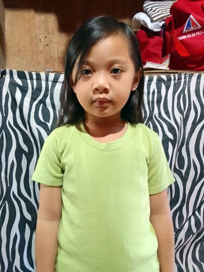 Help Jennyfer D. by becoming a child sponsor. Sponsoring a child is a rewarding and heartwarming experience.