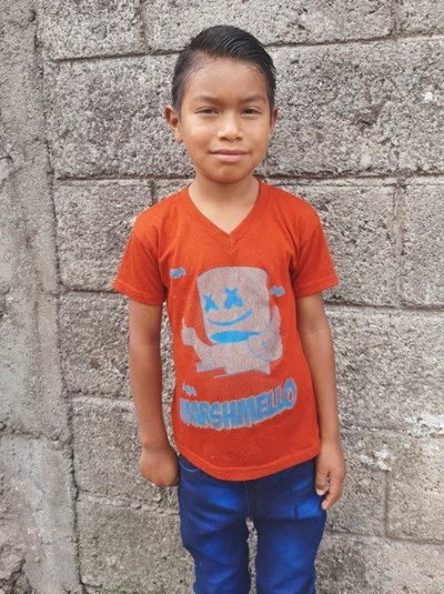 Help Eliseo Adonias by becoming a child sponsor. Sponsoring a child is a rewarding and heartwarming experience.