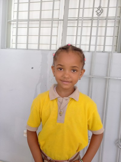Help Alaia Yanibel by becoming a child sponsor. Sponsoring a child is a rewarding and heartwarming experience.