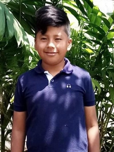 Help Jonathan Estuardo by becoming a child sponsor. Sponsoring a child is a rewarding and heartwarming experience.