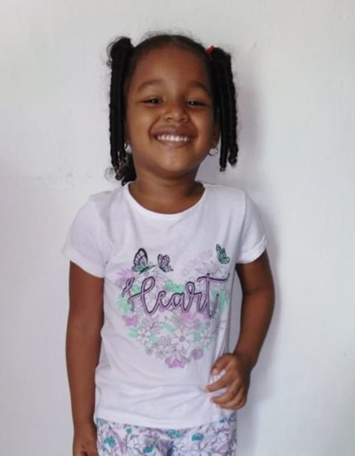 Help Evelin Johana by becoming a child sponsor. Sponsoring a child is a rewarding and heartwarming experience.