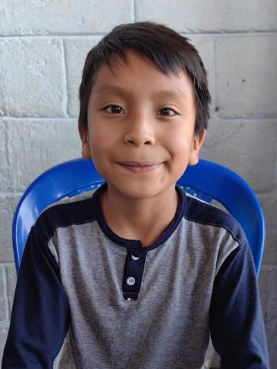 Ayude a Jorge Danilo apadrinándole hoy. El apadrinamiento es una experiencia hermosa y gratificante.