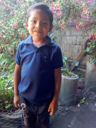 Help Anderson Alonso by becoming a child sponsor. Sponsoring a child is a rewarding and heartwarming experience.