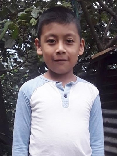 Help Anderson Fernando by becoming a child sponsor. Sponsoring a child is a rewarding and heartwarming experience.