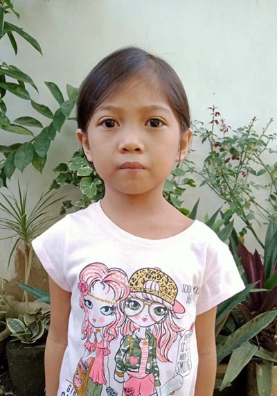 Help Marjo B. by becoming a child sponsor. Sponsoring a child is a rewarding and heartwarming experience.