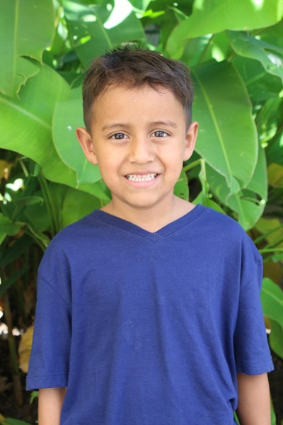 Help Selvin Jafet by becoming a child sponsor. Sponsoring a child is a rewarding and heartwarming experience.