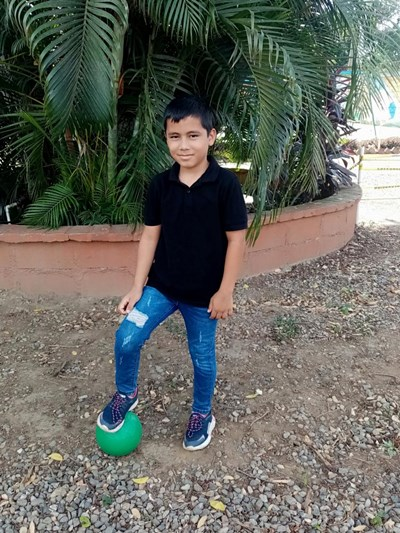 Help Josue Guillermo by becoming a child sponsor. Sponsoring a child is a rewarding and heartwarming experience.