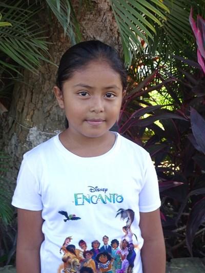 Ayude a Rosa Fabiola apadrinándole hoy. El apadrinamiento es una experiencia hermosa y gratificante.