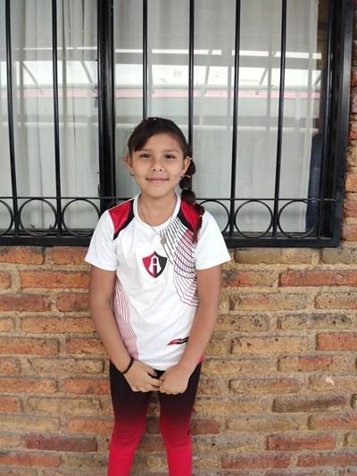 Ayude a Karime Alejandra apadrinándole hoy. El apadrinamiento es una experiencia hermosa y gratificante.
