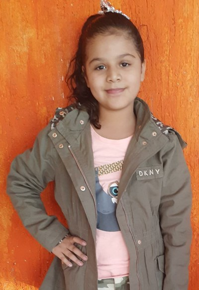 Help Kenia Nicole by becoming a child sponsor. Sponsoring a child is a rewarding and heartwarming experience.