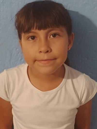 Ayude a Ana Aurora apadrinándole hoy. El apadrinamiento es una experiencia hermosa y gratificante.
