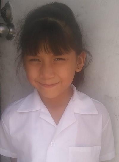 Ayude a Viridiana Monserrat apadrinándole hoy. El apadrinamiento es una experiencia hermosa y gratificante.