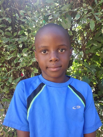 Help Francis by becoming a child sponsor. Sponsoring a child is a rewarding and heartwarming experience.