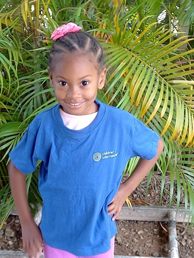 Help Helen Josielys by becoming a child sponsor. Sponsoring a child is a rewarding and heartwarming experience.