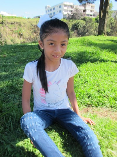 Help Lizt Kayla by becoming a child sponsor. Sponsoring a child is a rewarding and heartwarming experience.