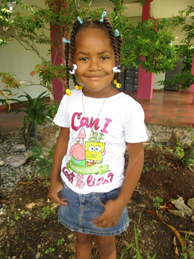 Help Albelis by becoming a child sponsor. Sponsoring a child is a rewarding and heartwarming experience.