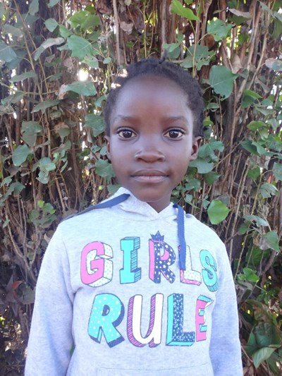 Help Dolli by becoming a child sponsor. Sponsoring a child is a rewarding and heartwarming experience.