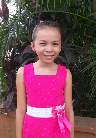 Help Karen Paulina by becoming a child sponsor. Sponsoring a child is a rewarding and heartwarming experience.