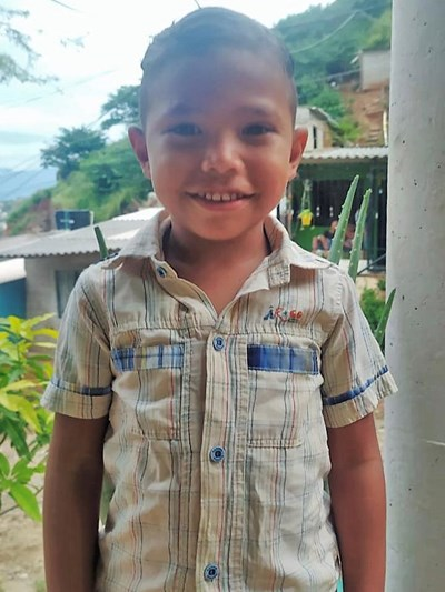 Help Gilver Andres by becoming a child sponsor. Sponsoring a child is a rewarding and heartwarming experience.