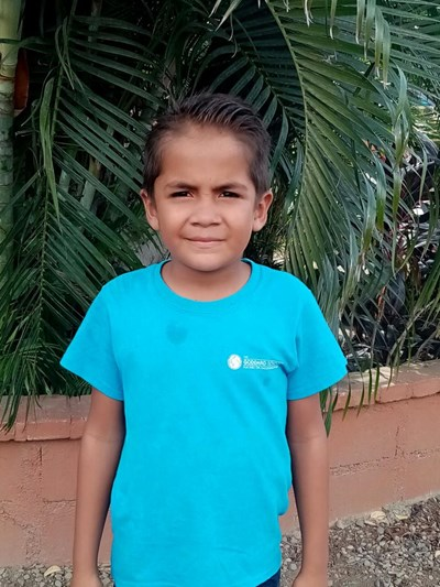 Help Iver Orlando by becoming a child sponsor. Sponsoring a child is a rewarding and heartwarming experience.