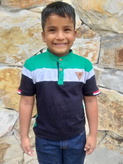 Help Jose David by becoming a child sponsor. Sponsoring a child is a rewarding and heartwarming experience.