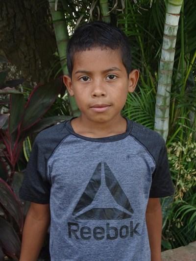 Ayude a Yasser Obed apadrinándole hoy. El apadrinamiento es una experiencia hermosa y gratificante.