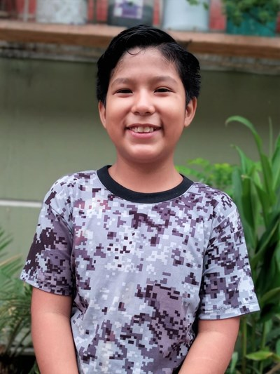 Help Gean Franco by becoming a child sponsor. Sponsoring a child is a rewarding and heartwarming experience.