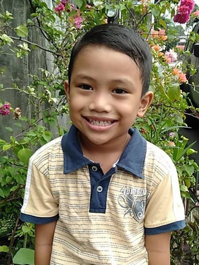 Help Raniel P. by becoming a child sponsor. Sponsoring a child is a rewarding and heartwarming experience.