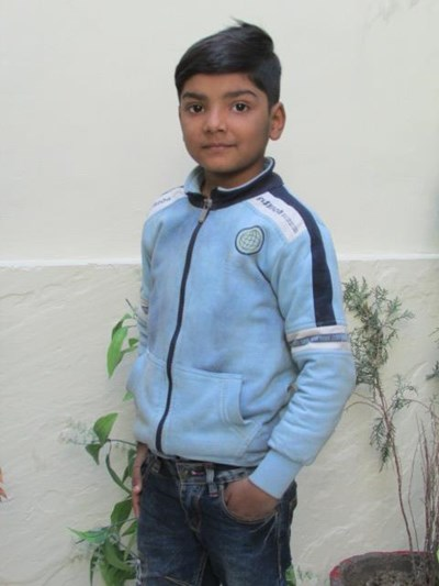 Help Waris by becoming a child sponsor. Sponsoring a child is a rewarding and heartwarming experience.