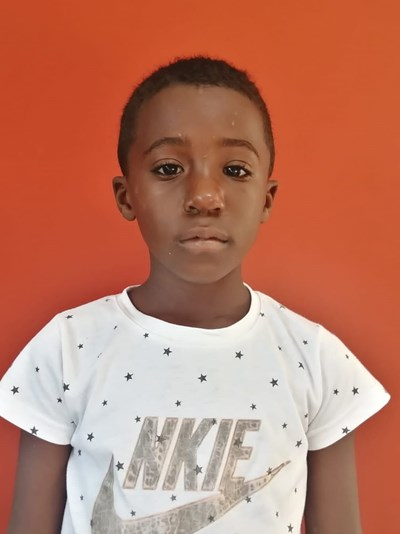 Help Leudy by becoming a child sponsor. Sponsoring a child is a rewarding and heartwarming experience.