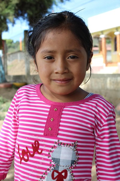 Help Beberling Yesenia by becoming a child sponsor. Sponsoring a child is a rewarding and heartwarming experience.