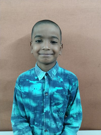 Help Roshan by becoming a child sponsor. Sponsoring a child is a rewarding and heartwarming experience.