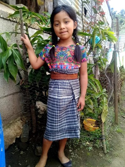 Help Maylin Anahi by becoming a child sponsor. Sponsoring a child is a rewarding and heartwarming experience.