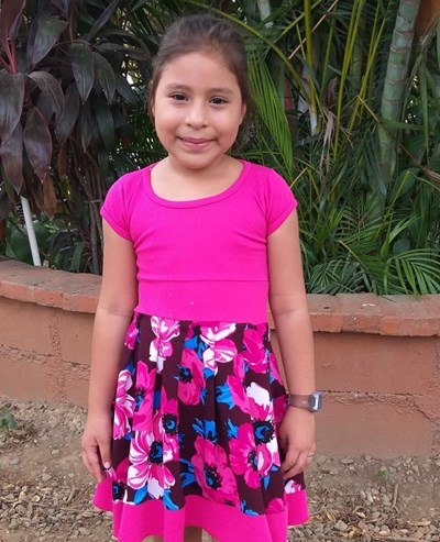 Help Keylin Merary by becoming a child sponsor. Sponsoring a child is a rewarding and heartwarming experience.