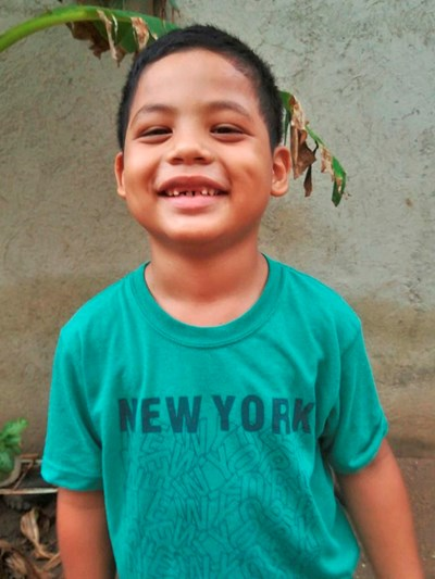 Help Maximiliano by becoming a child sponsor. Sponsoring a child is a rewarding and heartwarming experience.