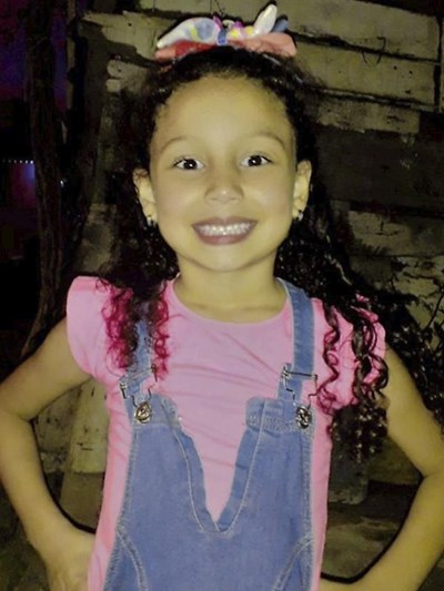 Help Ivanna Jireth by becoming a child sponsor. Sponsoring a child is a rewarding and heartwarming experience.