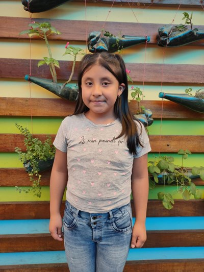 Help Denisse Victoria by becoming a child sponsor. Sponsoring a child is a rewarding and heartwarming experience.