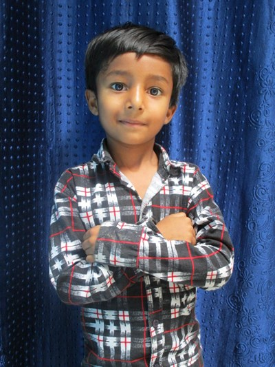Ayude a Mohammad apadrinándole hoy. El apadrinamiento es una experiencia hermosa y gratificante.