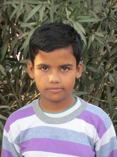 Ayude a Ranjna apadrinándole hoy. El apadrinamiento es una experiencia hermosa y gratificante.
