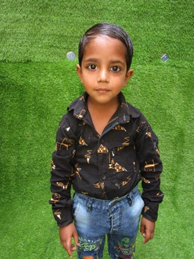 Help Md by becoming a child sponsor. Sponsoring a child is a rewarding and heartwarming experience.
