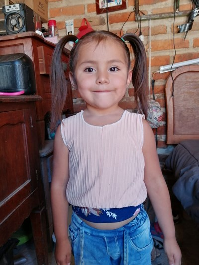 Help Irani Vianey by becoming a child sponsor. Sponsoring a child is a rewarding and heartwarming experience.