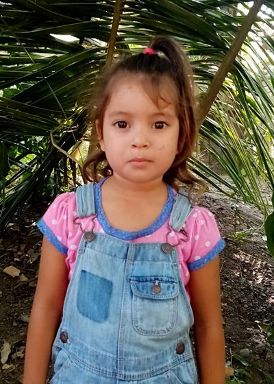 Help Aylin Gisselle by becoming a child sponsor. Sponsoring a child is a rewarding and heartwarming experience.