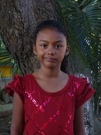 Ayude a Nathalia Gabriela apadrinándole hoy. El apadrinamiento es una experiencia hermosa y gratificante.