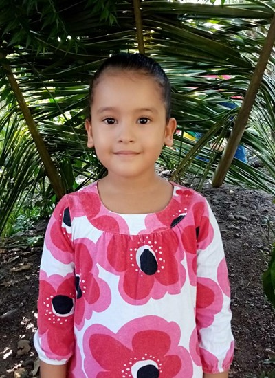 Help Evelyn Andrea by becoming a child sponsor. Sponsoring a child is a rewarding and heartwarming experience.