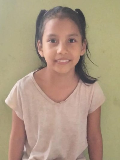Help Danna Melissa by becoming a child sponsor. Sponsoring a child is a rewarding and heartwarming experience.