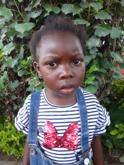 Help Felistus by becoming a child sponsor. Sponsoring a child is a rewarding and heartwarming experience.