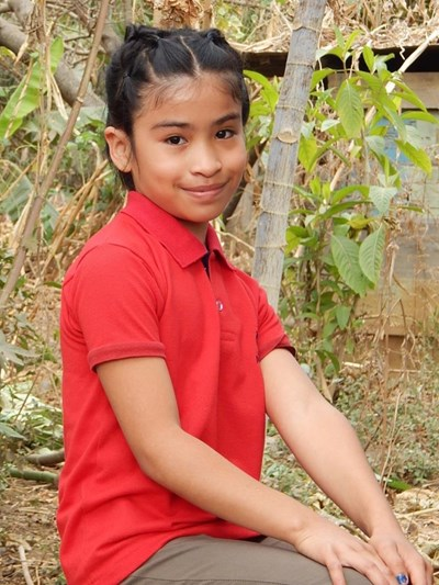 Help Dania Suzeth by becoming a child sponsor. Sponsoring a child is a rewarding and heartwarming experience.